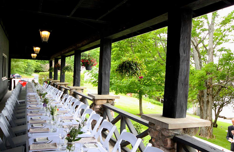 Weddings at Sir Sam's Inn & Spa.