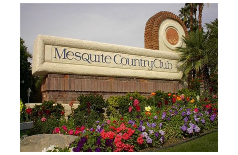 Mesquite Country Club sign.