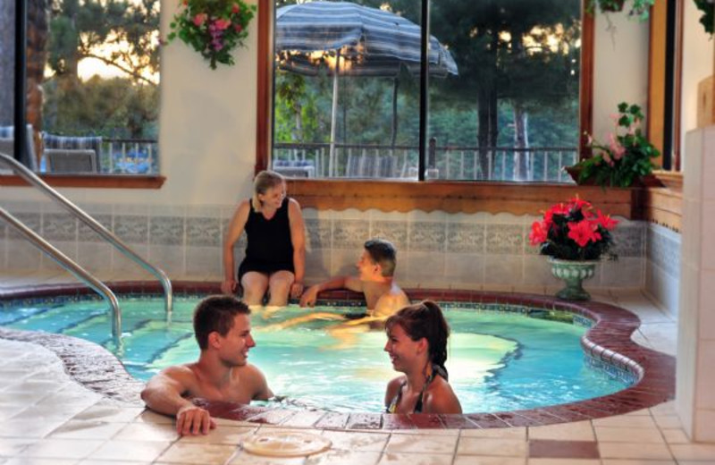 Whirlpool at Cliffside Resort.