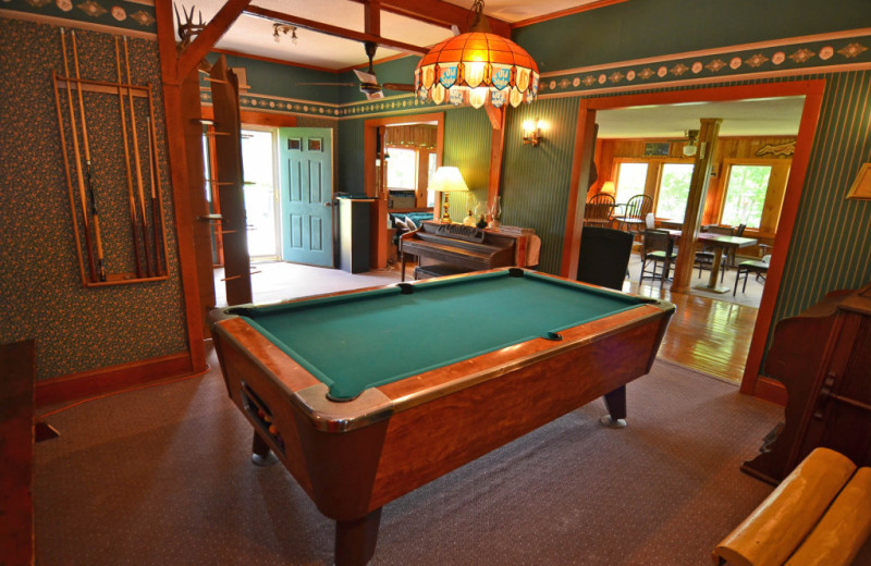 Billiard table at Barker Lake Lodge.