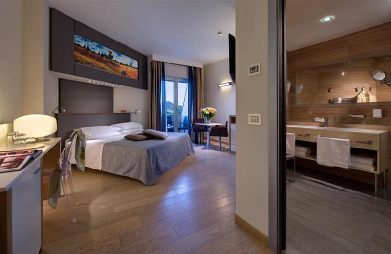 Guest room at Hotel Terme Bristol Buja.
