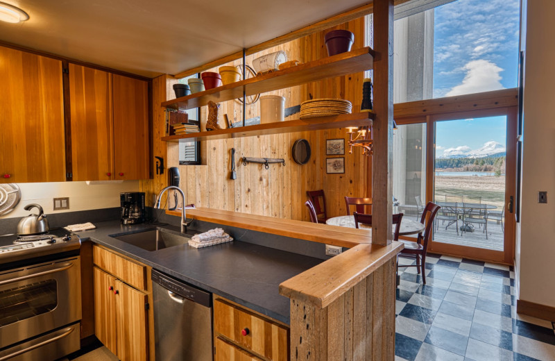 Rental kitchen at Black Butte Ranch.