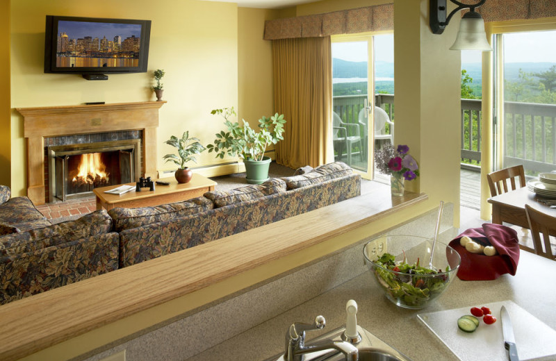 Guest living room at Steele Hill Resorts.