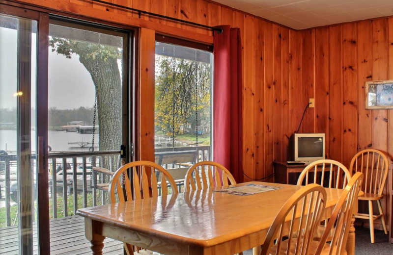Guest dining area at Whaley's Resort & Campground.