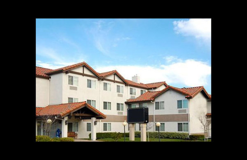 Exterior view of Mainstay Suites Hayward.
