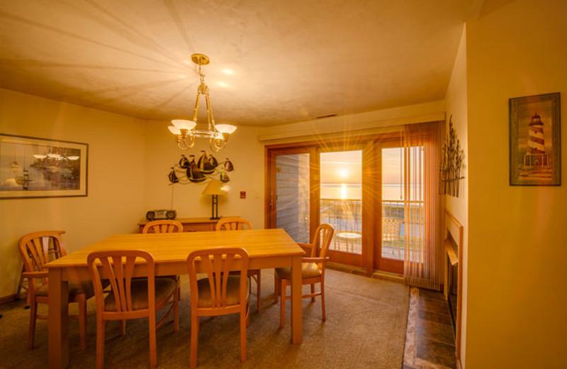 Guest dining room at Glidden Lodge Beach Resort.