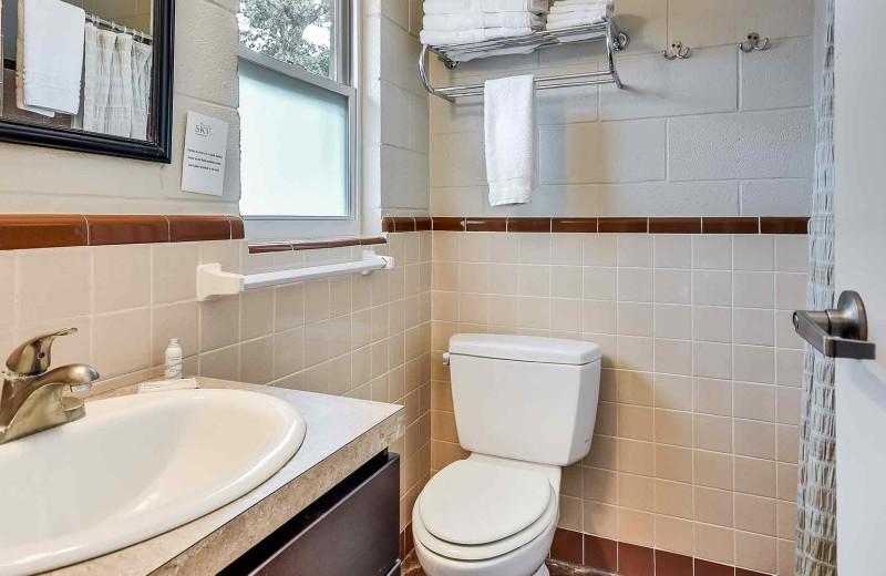 Guest bathroom at Painted Sky Inn.