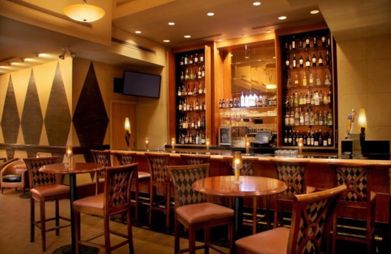 The bar at Crowne Plaza Minneapolis.