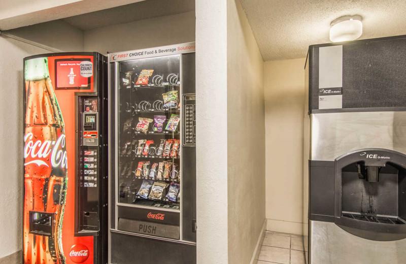 Vending machine at Rodeway Inn - Fergus Falls.