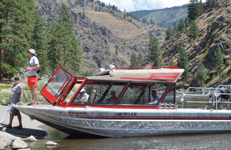 Jet boat at Salmon River Tours.
