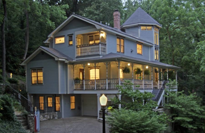 Exterior view of Arsenic and Old Lace Bed & Breakfast.