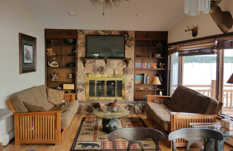 Lodge living room at Lake Cabins Resort.