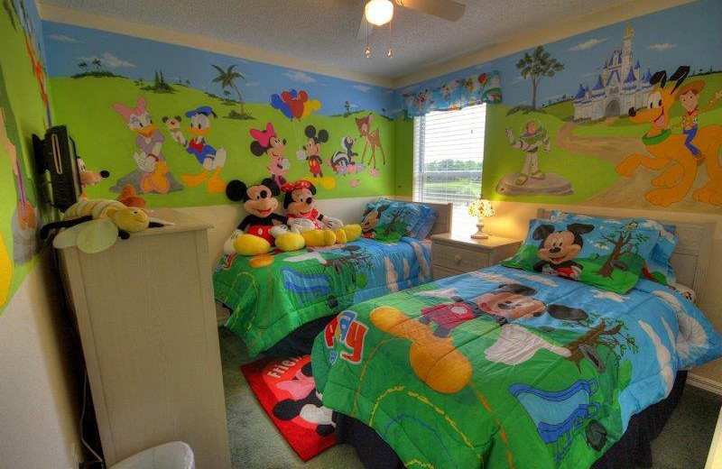 Vacation rental kid's bedroom at Elite Vacation Homes.