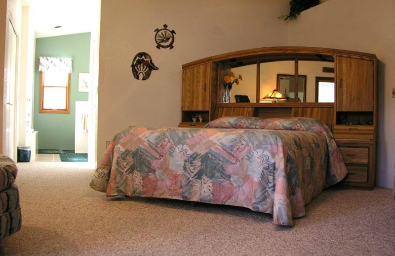 Guest room at Moestly Wood Bed & Breakfast.