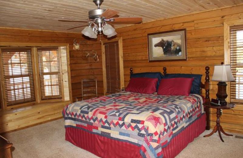 Guest bedroom at Saddleback Lodge.