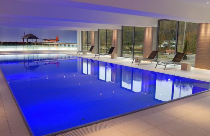 Indoor pool at Hotel Luxembourg Parc.