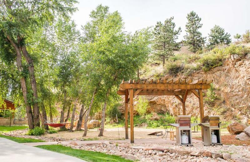 Picnic area at Fall River Village Resort Condos.