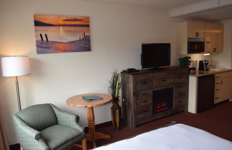Guest room at Harbor Shores on Lake Geneva.