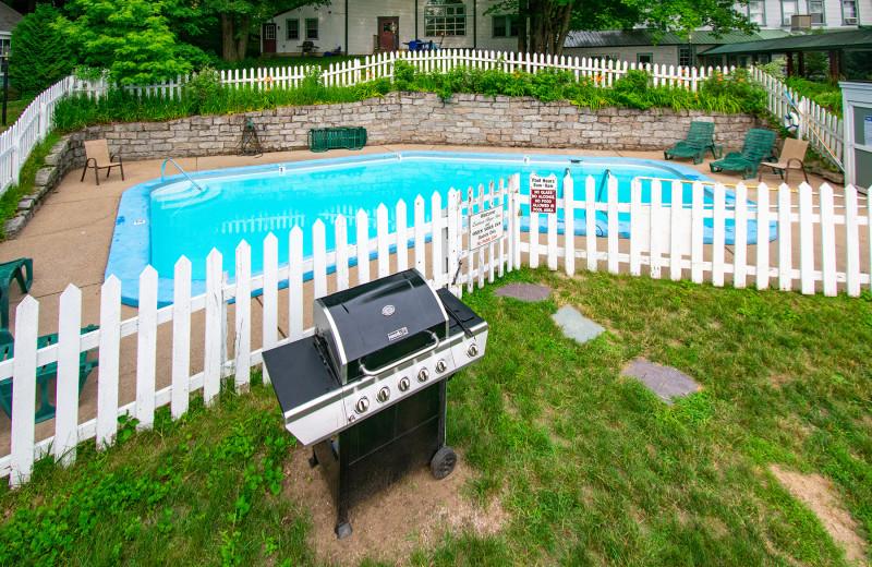 Outdoor pool at Oxen Yoke Inn.