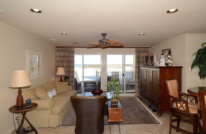 Vacation rental living room at Sandpiper Cove.