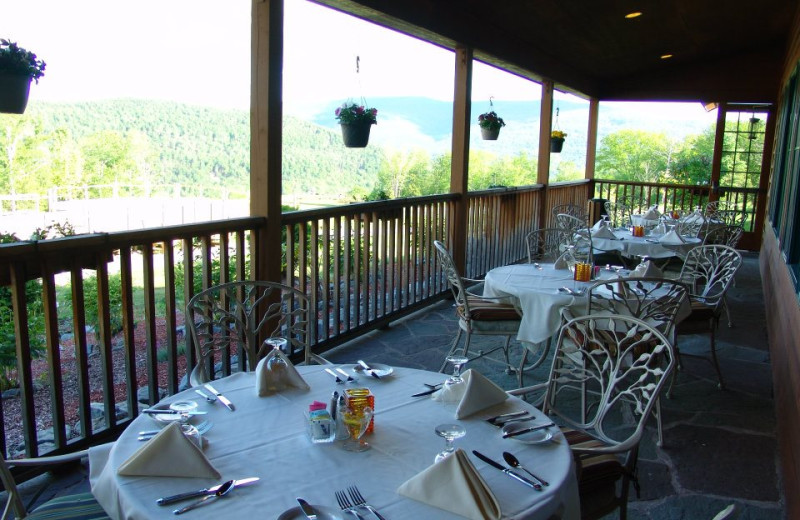 Outdoor dining at Hanah Mountain Resort & Country Club.
