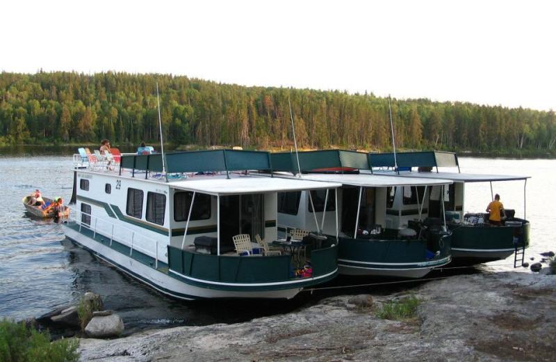 Houseboat exterior at Rainy Lake Houseboats.