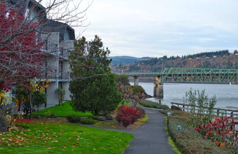 Walking Trails at  Hood River Inn