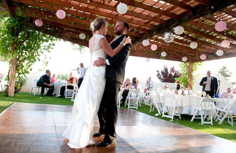Wedding at Inn at Paradise.