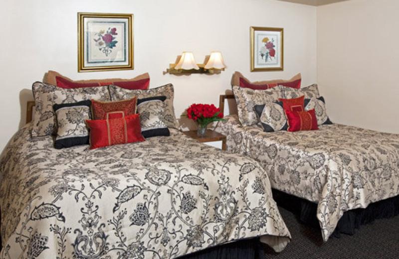 Guest Room at Villa Vosilla Resort