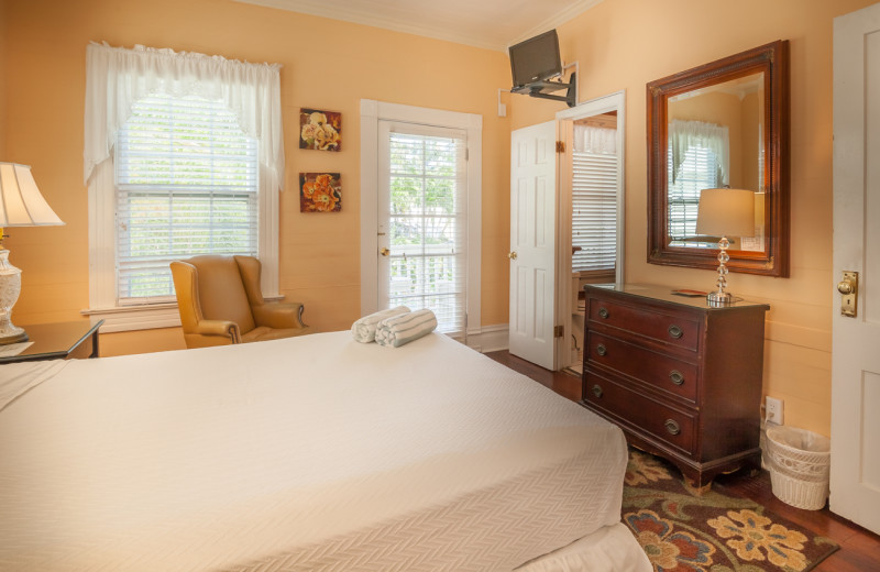 Guest bedroom at Curry House.