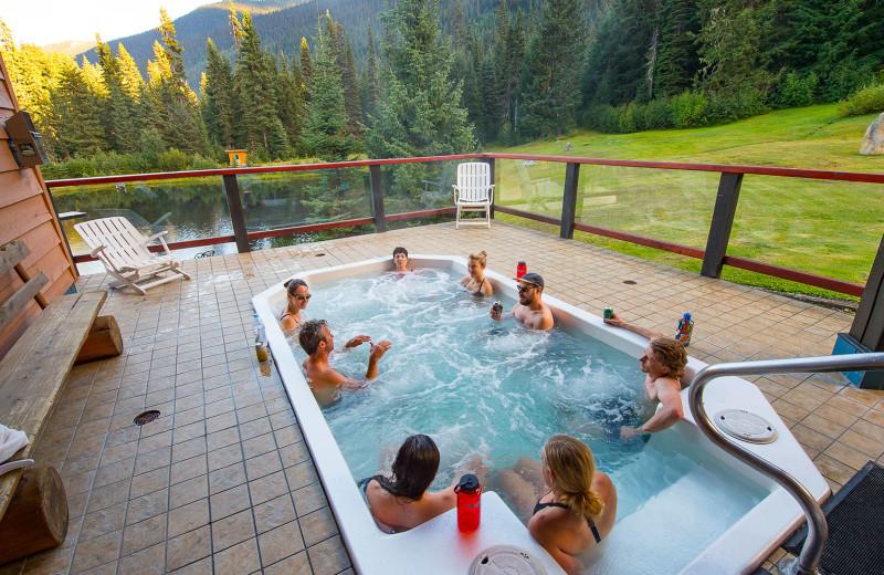 Hot tub at Cariboos Lodge.