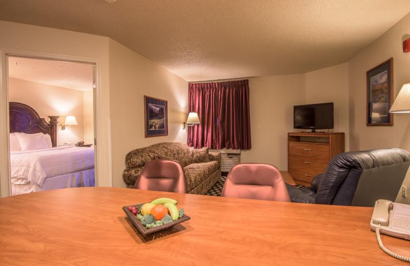 Guest room at MCM Elegante Colorado Springs.