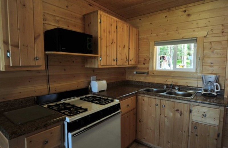 Cabin kitchen at Agate Lake Resort.