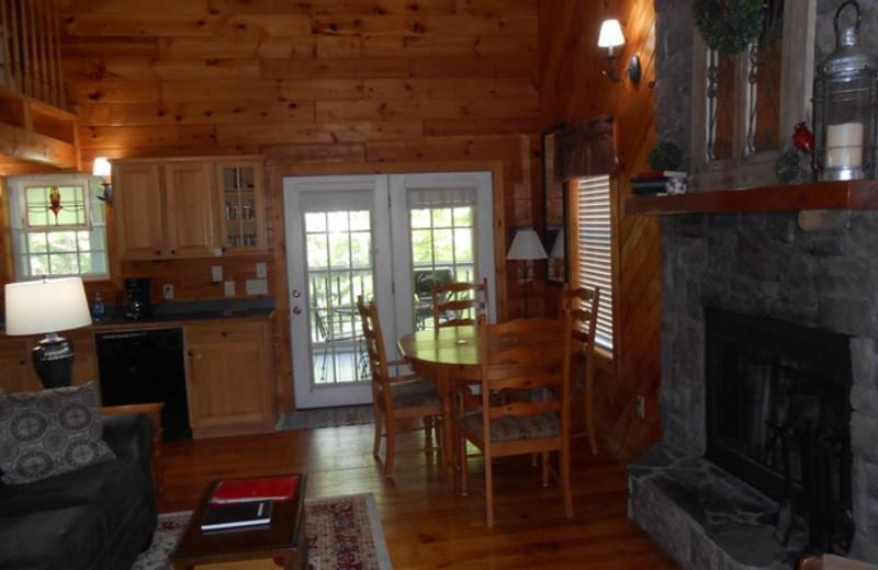 Cabin living room at Cabins at Highland Falls.