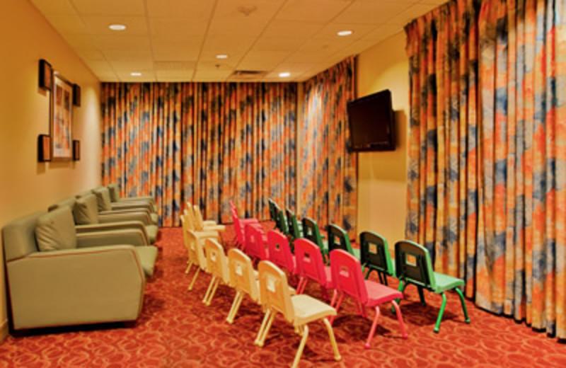 Community Room at Holiday Inn Main Gate East