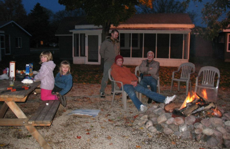 Fire pit at Ward's Riverside Cabins.