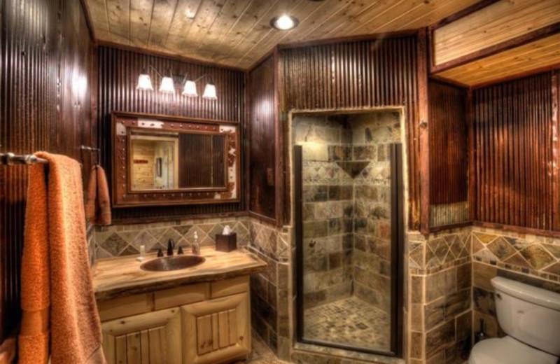 Cabin bathroom at Blue Sky Cabin Rentals.