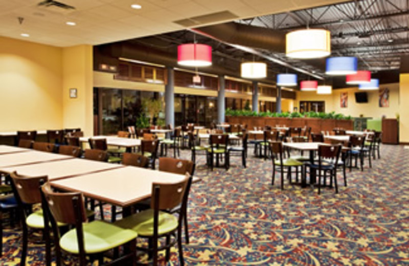 Dining Area at Holiday Inn Main Gate East