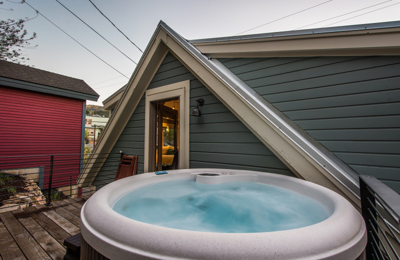 Rental hot tub at Padzu Vacation Homes - Park City