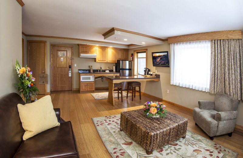 The Table Top Suite has a full kitchen, in the bedroom there is a king sized bed