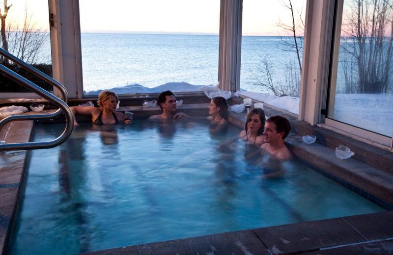 Hot tub at Bluefin Bay on Lake Superior.