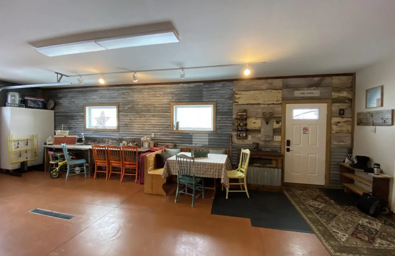 Family gathering room at Lakes Area Rentals.