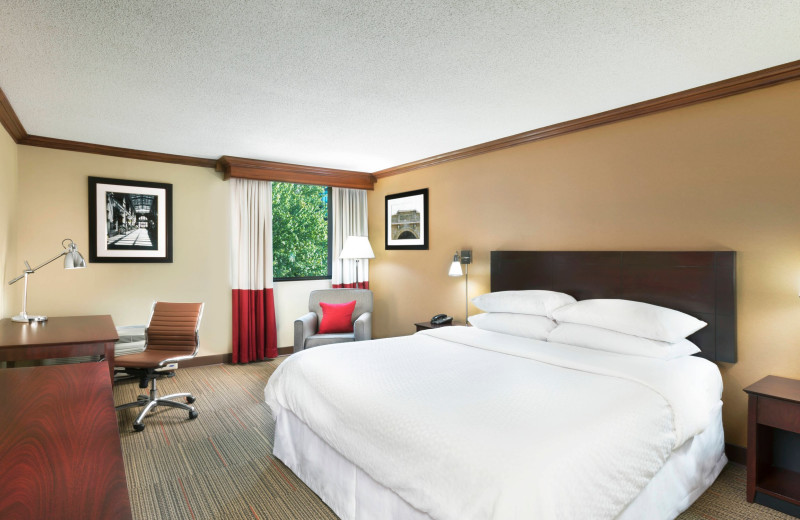 Guest room at Four Points by Sheraton Asheville Downtown.