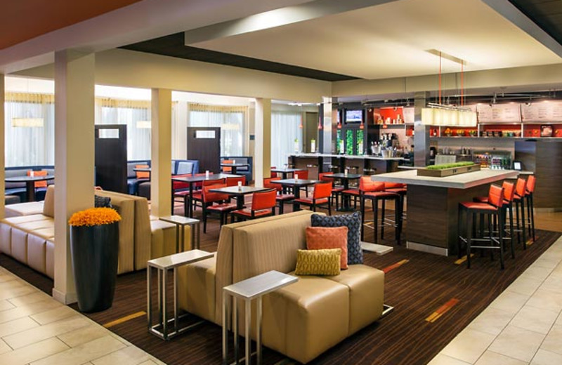 Dining at Courtyard by Marriott Los Angeles Torrance/Palos Verdes.