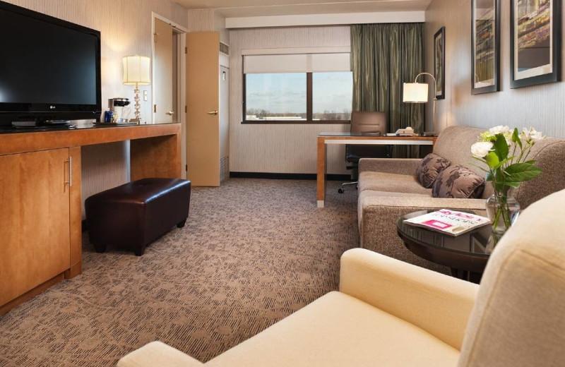 Guest room at Hilton Suites Auburn Hills.