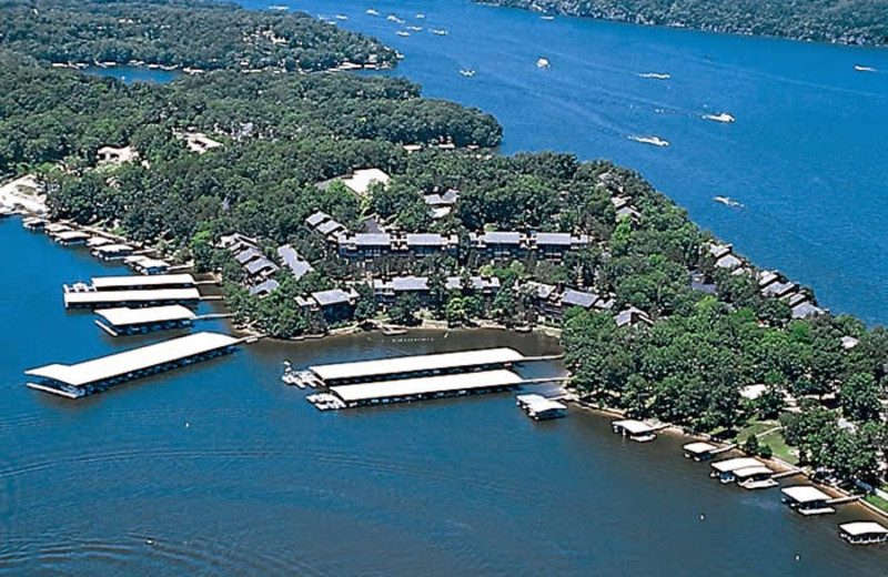 Aerial view of lake at Your Lake Vacation/Al Elam Property Management.