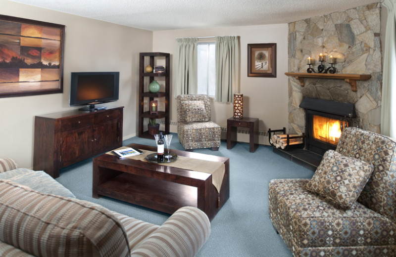 Guest suite at Maligne Lodge.