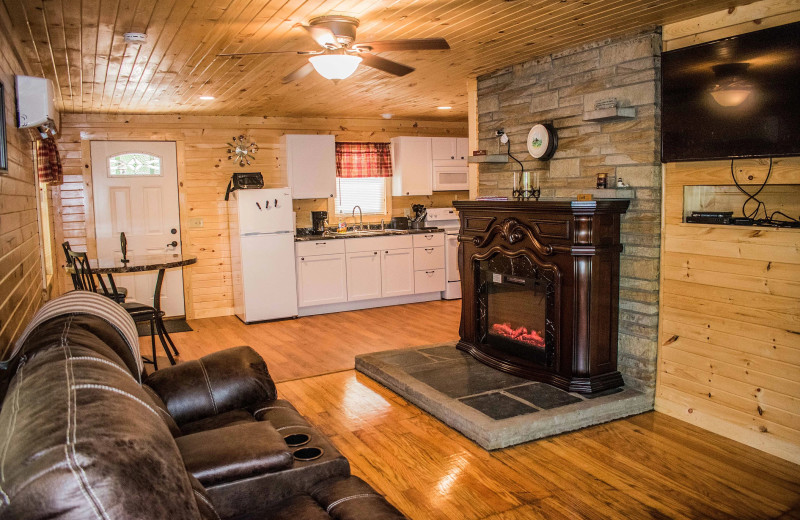Hocking Hills Cozy Cabins (South Bloomingville, OH) - Resort