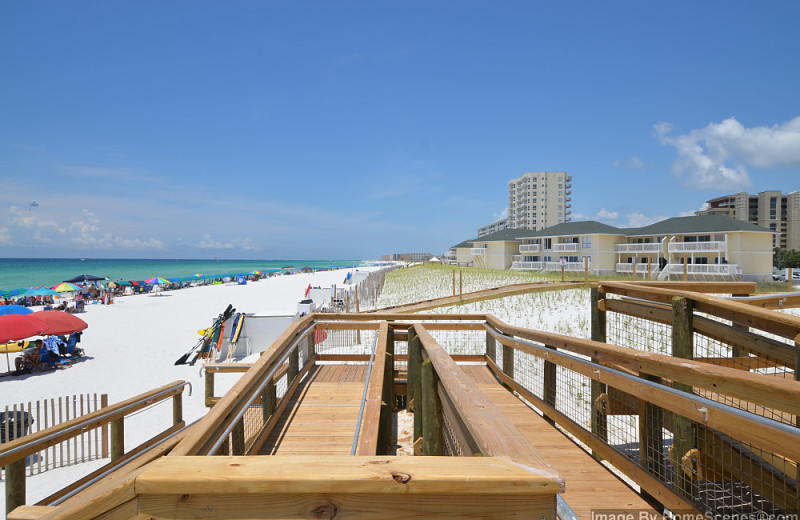 Boardwalk at Sandpiper Cove.