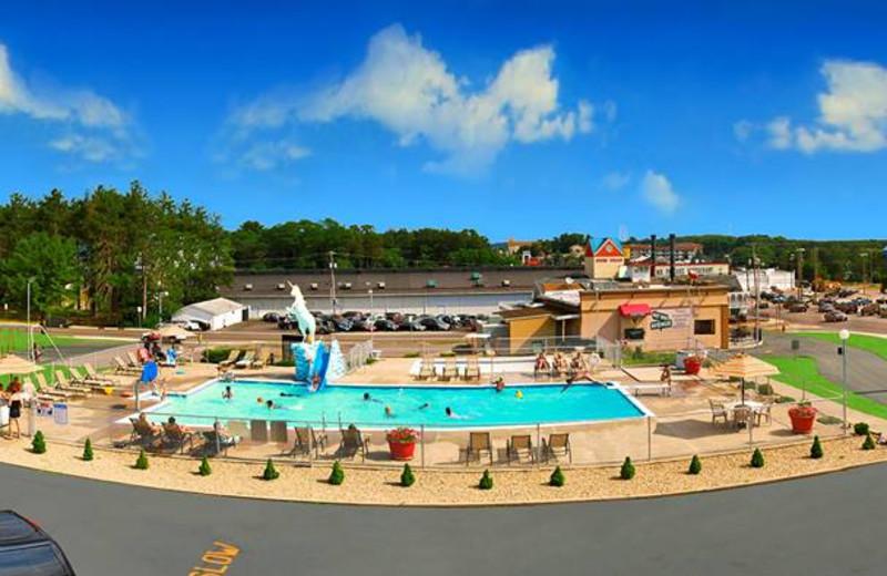 Welcome to Shamrock Motel Resort & Suites